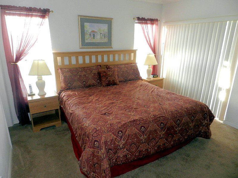 Florida Breeze master bedroom
