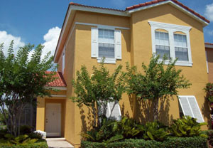 4 Bed Florida Townhouse sleeps 8. Private Pool. Wi-Fi.