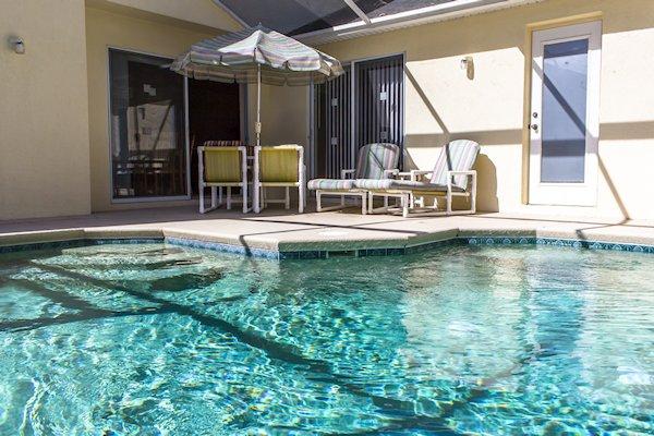 Pool area for al fresco dining