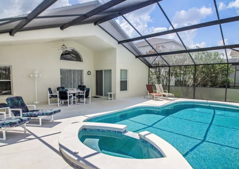 Pool and spa - covered lanai - perfect for dining & shade