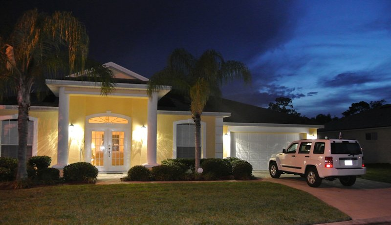 4 Bed Florida Villa sleeps 9. Private Pool & Spa. Wi-Fi. Games Room.