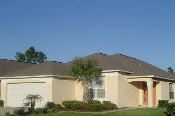 4 Bed Florida Villa sleeps 10. Private Pool. Wi-Fi. Games Room.