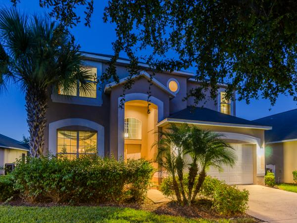 7 Bed Florida Villa sleeps 16. Private Pool & Spa. Wi-Fi. Games Room.