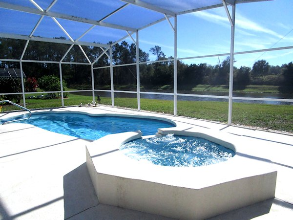 3 Bed Florida Villa sleeps 8. Private Pool/Spa. Wi-Fi.