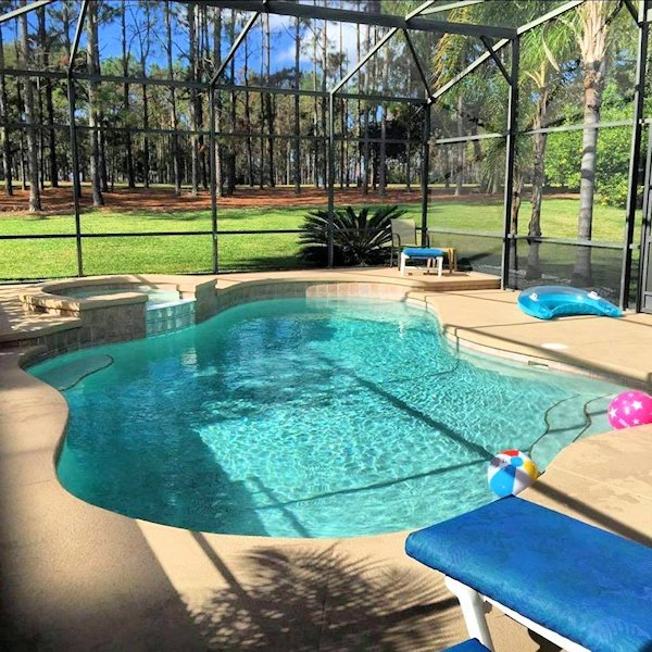 4 Bed Florida Villa sleeps 8. Private Pool/Spa. Wi-Fi. Games Room.