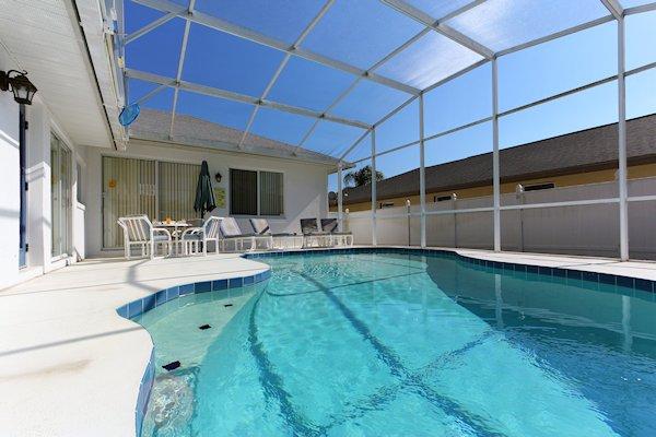 30 ft Pool with lanai